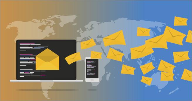 Image d'envoi d'invitations à répondre à un questionnaire